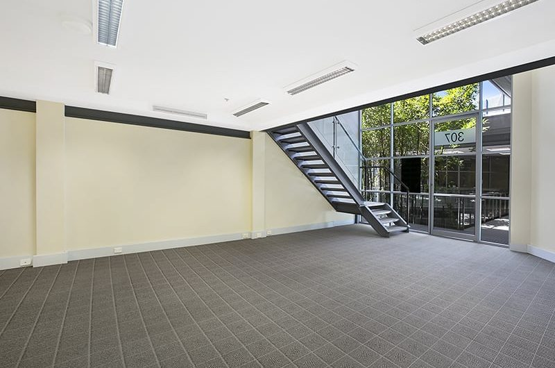Office Suite with Mezzanine level in Biztek – Brookvale